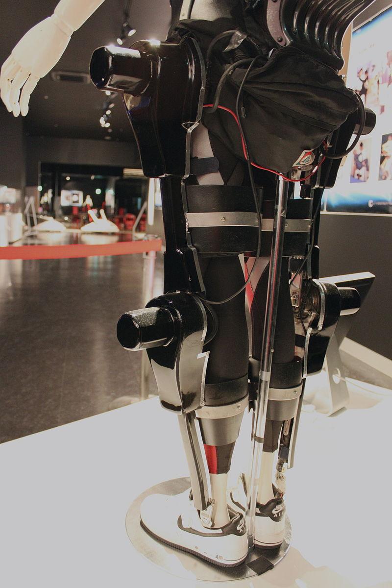 Exosquelettes au travail : 2 nouvelles brochures