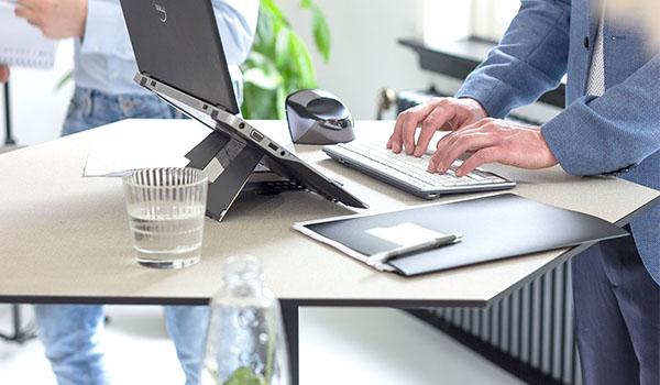 Supports ergonomiques  écrans et tablettes